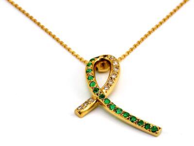 Brill és smaragd köves arany medál lánccal