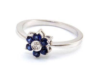 Brill és zafír köves fehérarany gyűrű