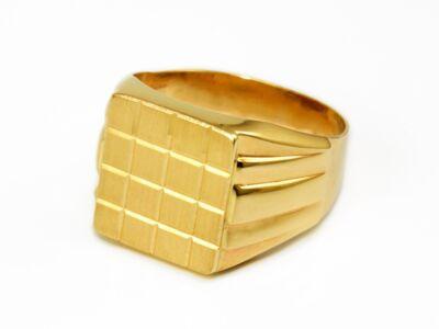 Vésett és mattított férfi arany pecsétgyűrű