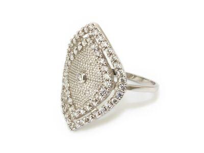 Hosszúkás köves fehérarany gyűrű