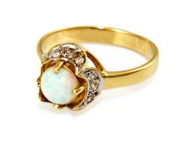 Opálos női arany gyűrű