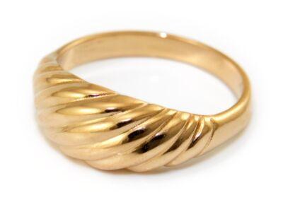Sávos mintájú arany gyűrű