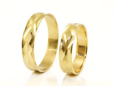 """Vésett """"x"""" mintás arany karikagyűrű"""