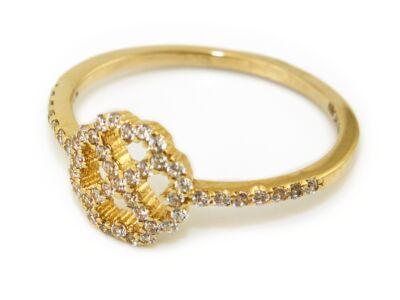 Köves lóherés arany eljegyzési gyűrű
