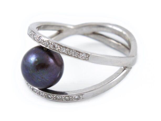 Sósvizi gyöngy, fehér brilles fantázia fehérarany gyűrű.