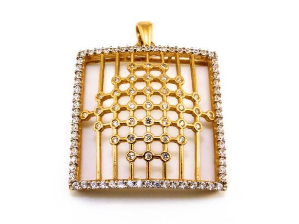 Köves rácsos arany medál