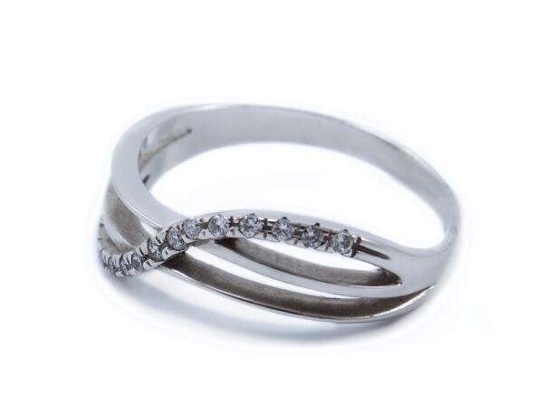 Fehérarany áttört cirkónia köves gyűrű