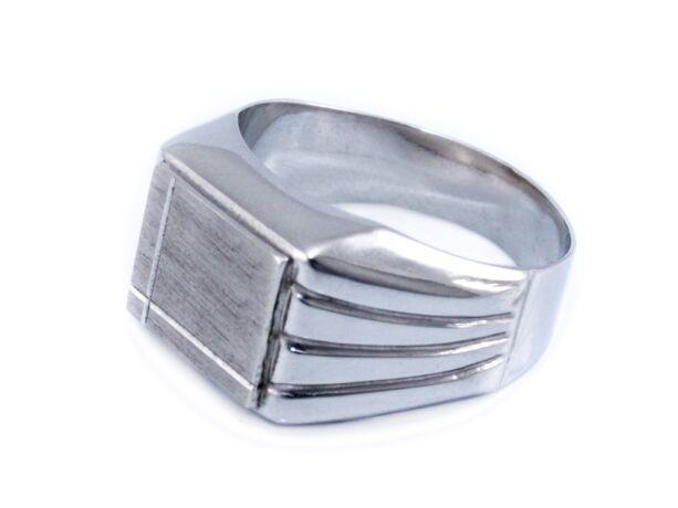 Vésett mattított fehérarany pecsétgyűrű