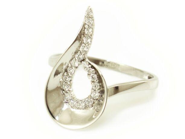 Exkluzív fehérarany köves gyűrű