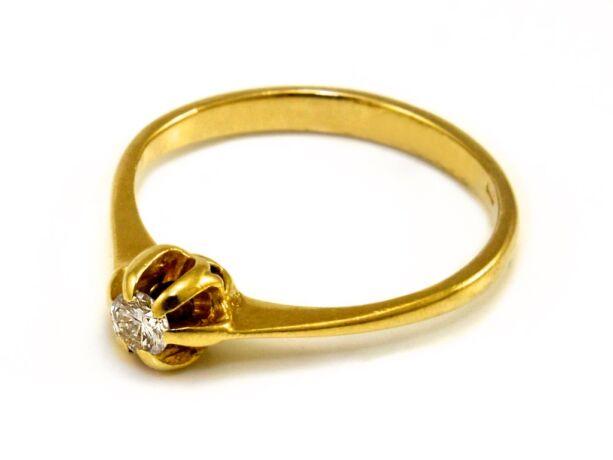 Gyémánt köves soliter arany eljegyzési gyűrű