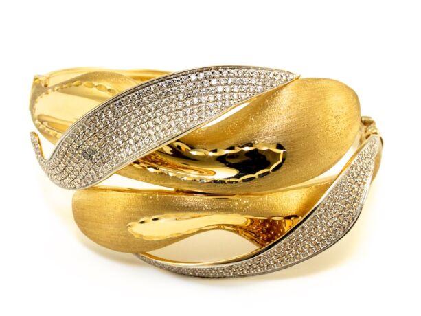 Exkluzív köves arany karreif