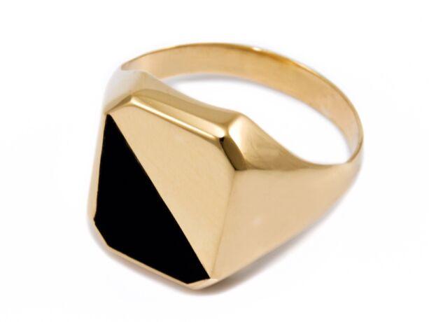 Fekete köves férfi arany pecsétgyűrű