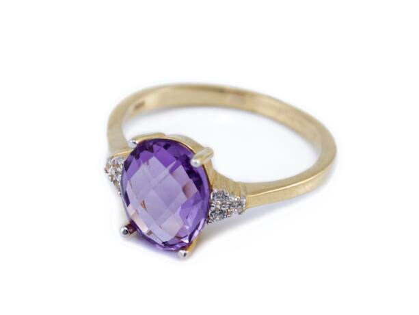 Ametiszt köves arany gyűrű