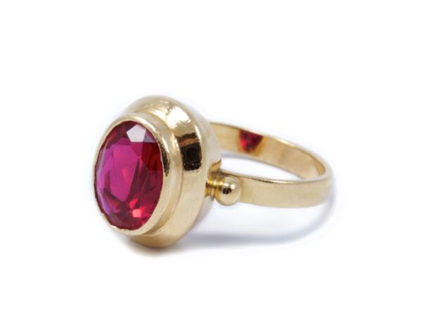 Sárga arany piros köves gyűrű