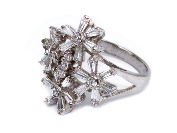 Köves virágos ezüst gyűrű