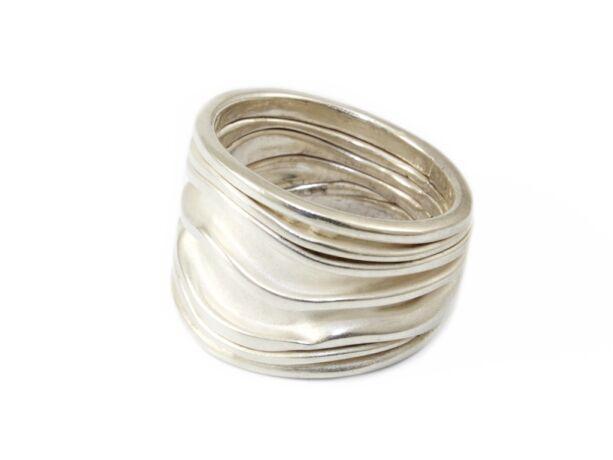 Matt hullámos női ezüst gyűrű