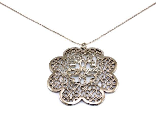 Áttört virágos ezüst nyaklánc