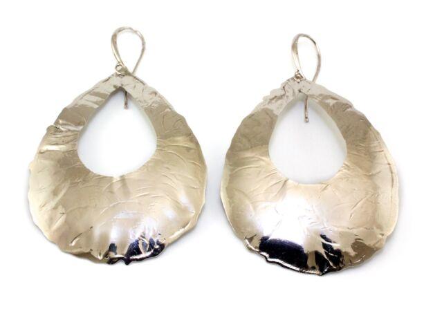 Csepp alakú lógós ezüst fülbevaló