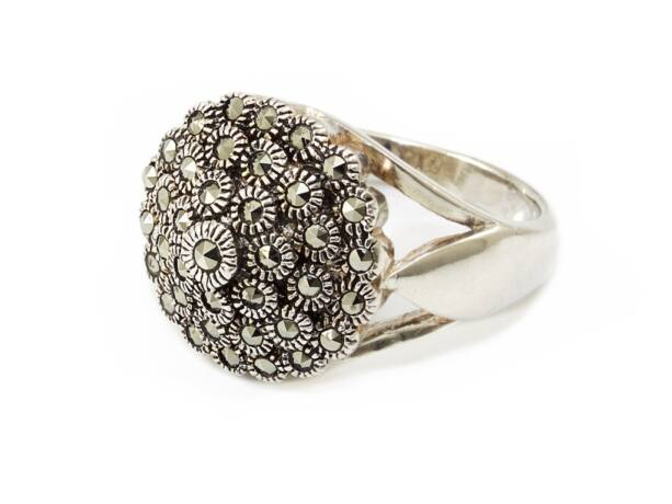 Virágos markazitos női ezüst gyűrű