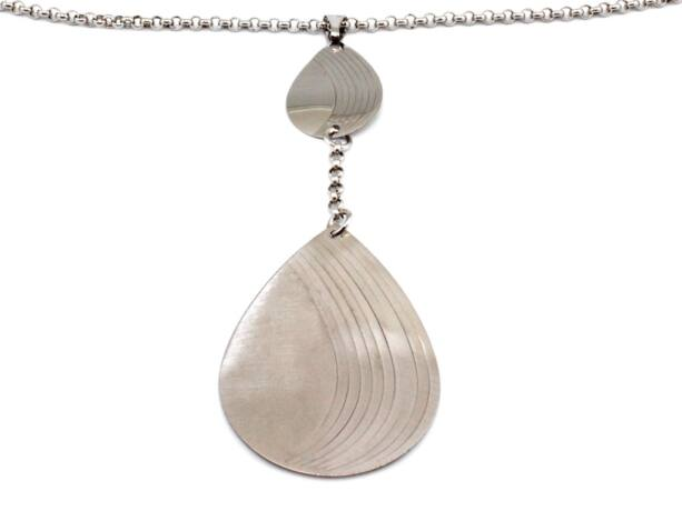 Vésett cseppekkel díszített ezüst nyakék