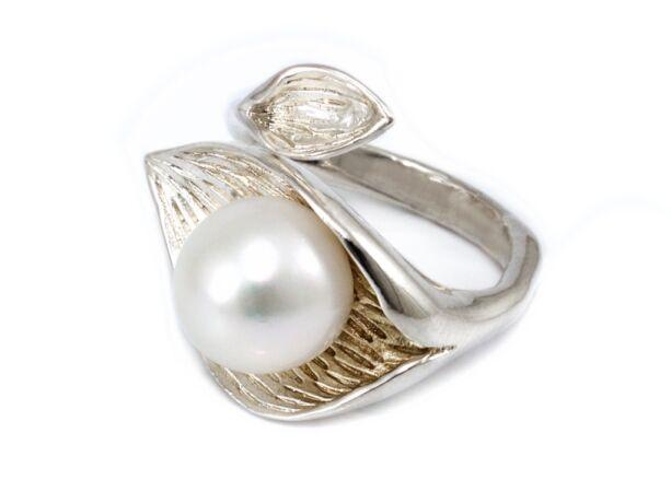 Gyöngyös virágos ezüst gyűrű