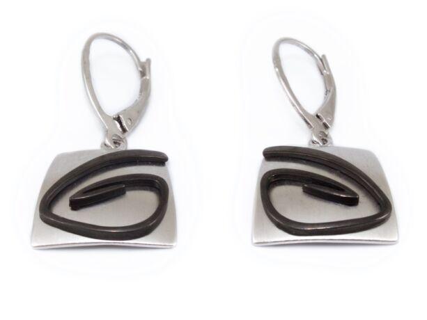 Fekete mintás mattított lógós ezüst fülbevaló
