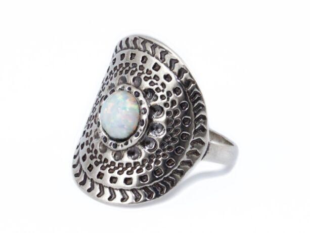 Antikolt hatású opálos ezüst gyűrű