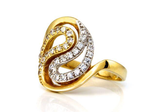 Köves női arany gyűrű